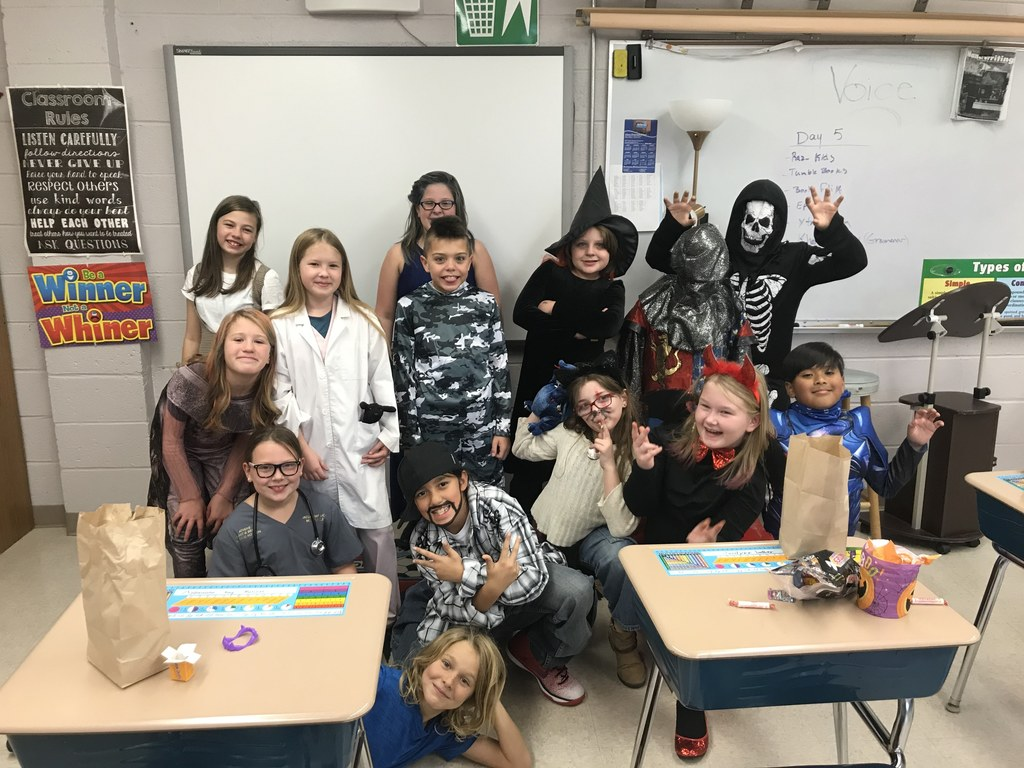 4th Grade Halloween Fun!  We are doing our THANG!