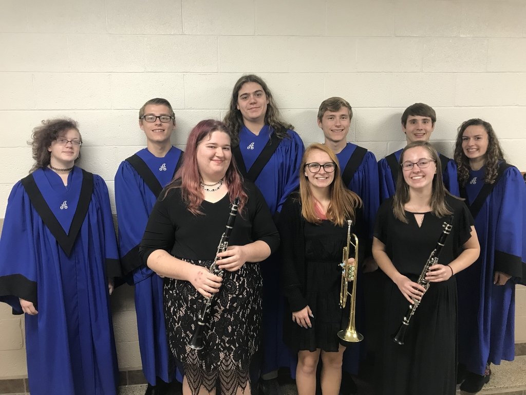 Elizabeth Copenhaver, Andrew Hartmann, Parker Tischauser, Aaron Hartmann, Ethan Marohl, Caitlyn Riehle. (Front Row, left to right) Alicia Hofmann, Abigail Olson, Anna Nowicki