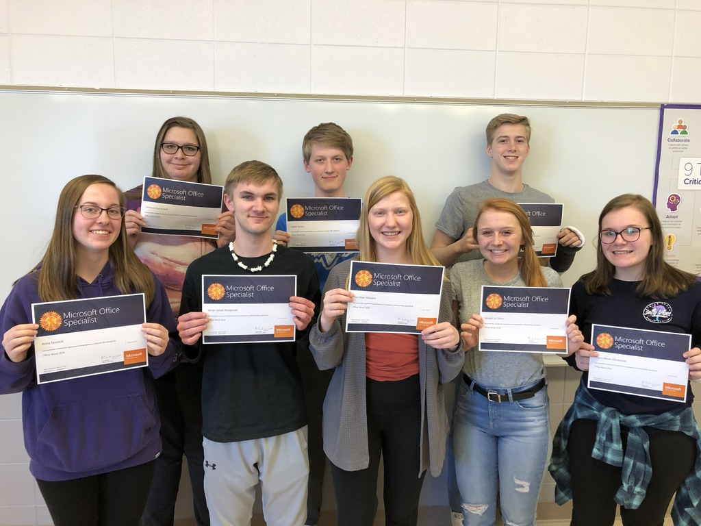 8 students with MOS Word 1 certificates